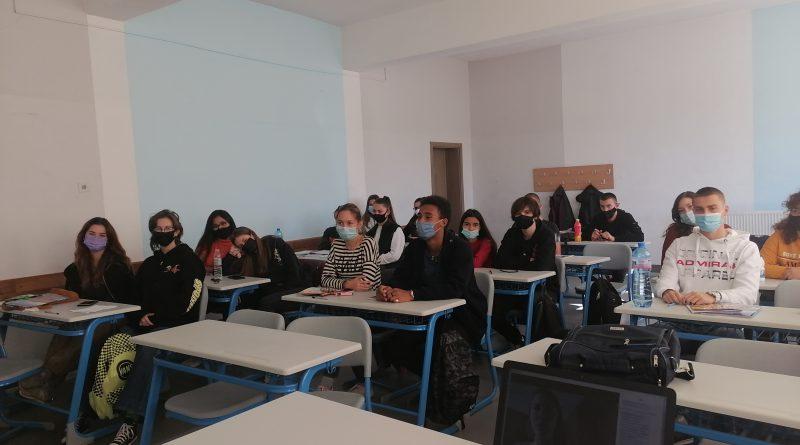 """Ученици се подготвят за активно гражданство- """"Моят глас за по-устойчива Европа"""""""